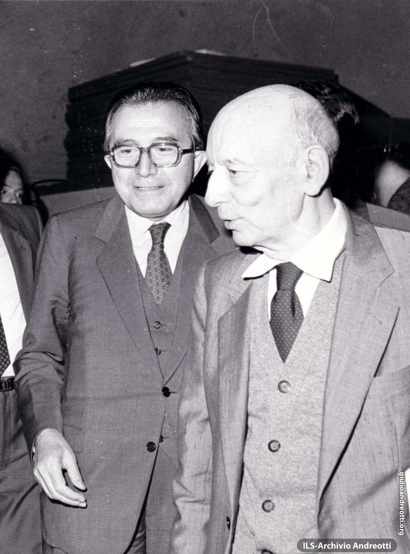 Festa dell'Amicizia della DC, Fiuggi, 10-18 settembre 1983. Andreotti con Pajetta.