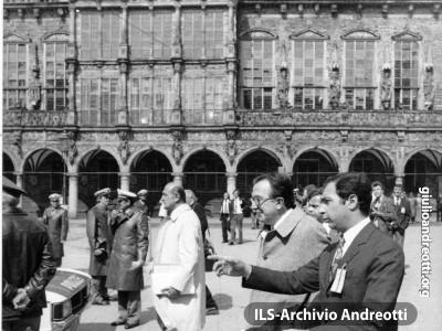 Copenaghen 6 aprile 1978. Andreotti giunge al Vertice della Comunità economica europea.