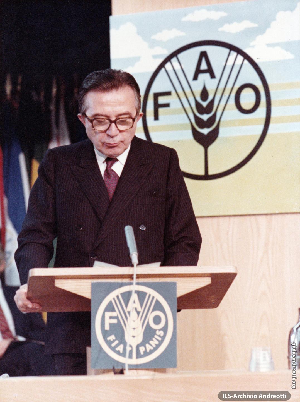 17 ottobre 1983. Il Ministro degli Esteri Andreotti alla Giornata Mondiale dell'Alimentazione della FAO.