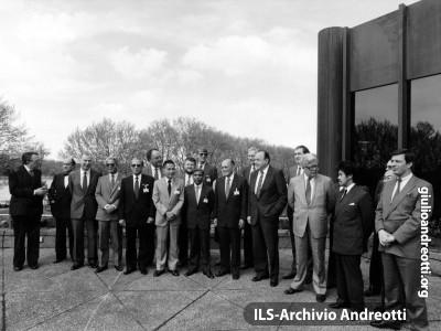 2 maggio 1988. Riunione a Dusseldorf dei ministri degli Esteri della Comunità europea e dell'ASEAN.