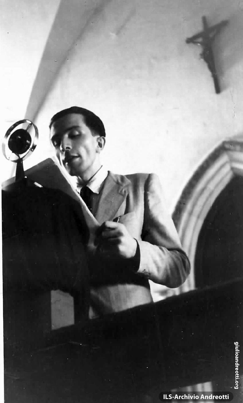 Nel settembre del 1942 ad Assisi, Presidente della Fuci.