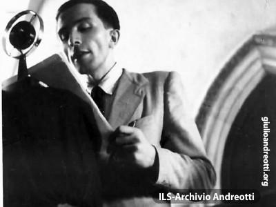 Nel 1942 ad Assisi.