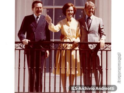 Foto con dedica di Jimmy e Rosalynn Carter in occasione della visita ufficiale di Andreotti al Presidente degli Stati Uniti il 26 luglio 1977